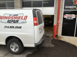 windshield-repair-and-replacement-st-louis